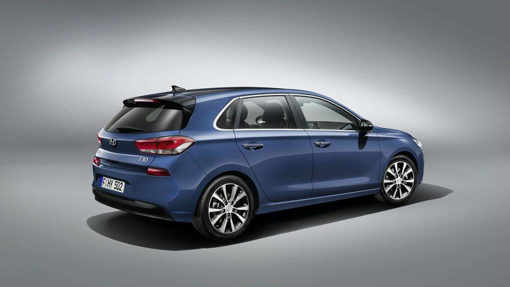 Hyundai-i30-dizel-mavi