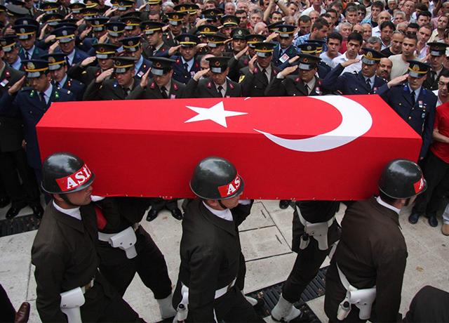 Şemdinli'de hain saldırı, 8 asker şehit oldu